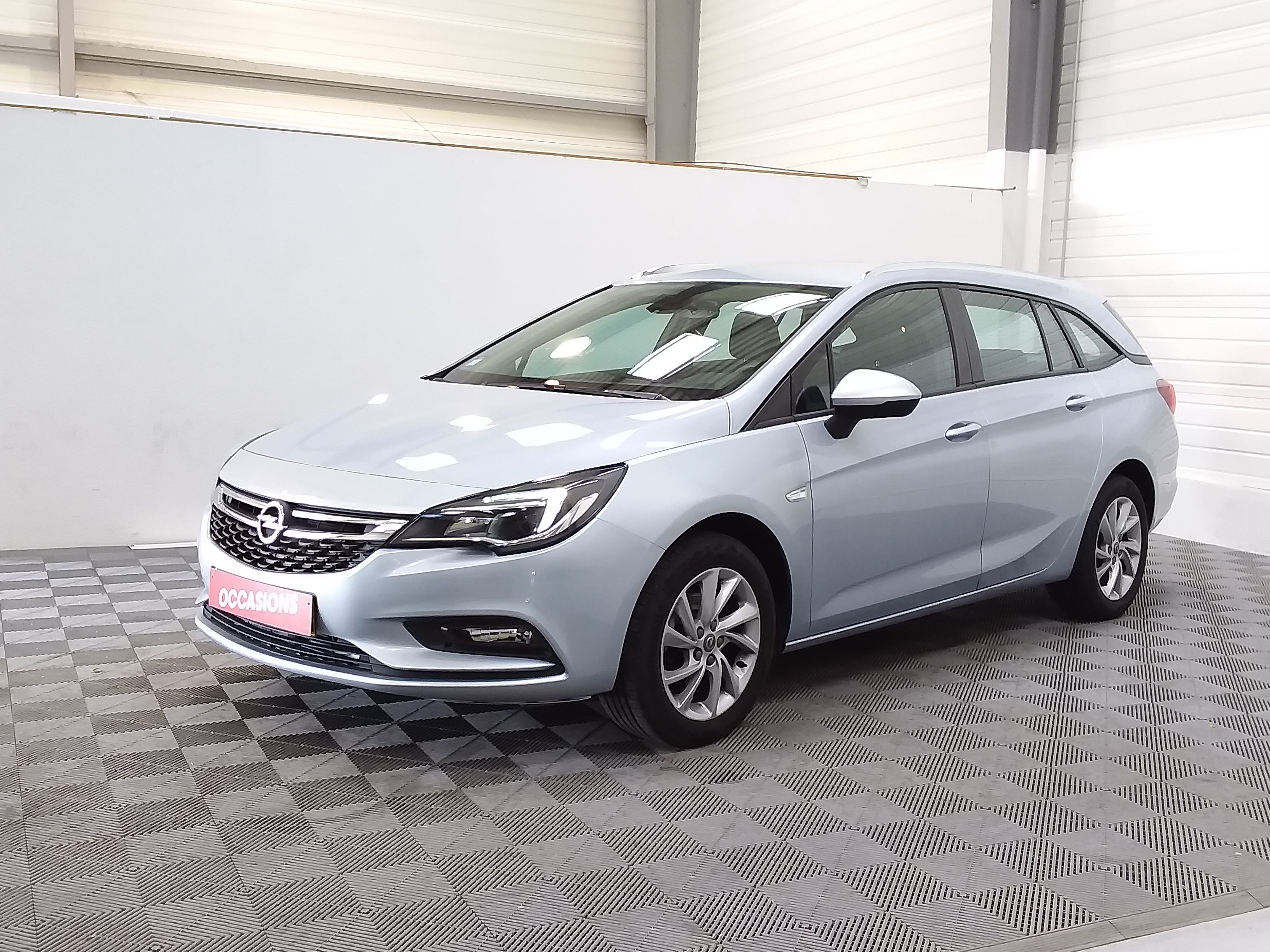 Photo du véhicule OPEL ASTRA SPORTS TOURER 1.6 CDTI 110 ch Start/Stop Edition