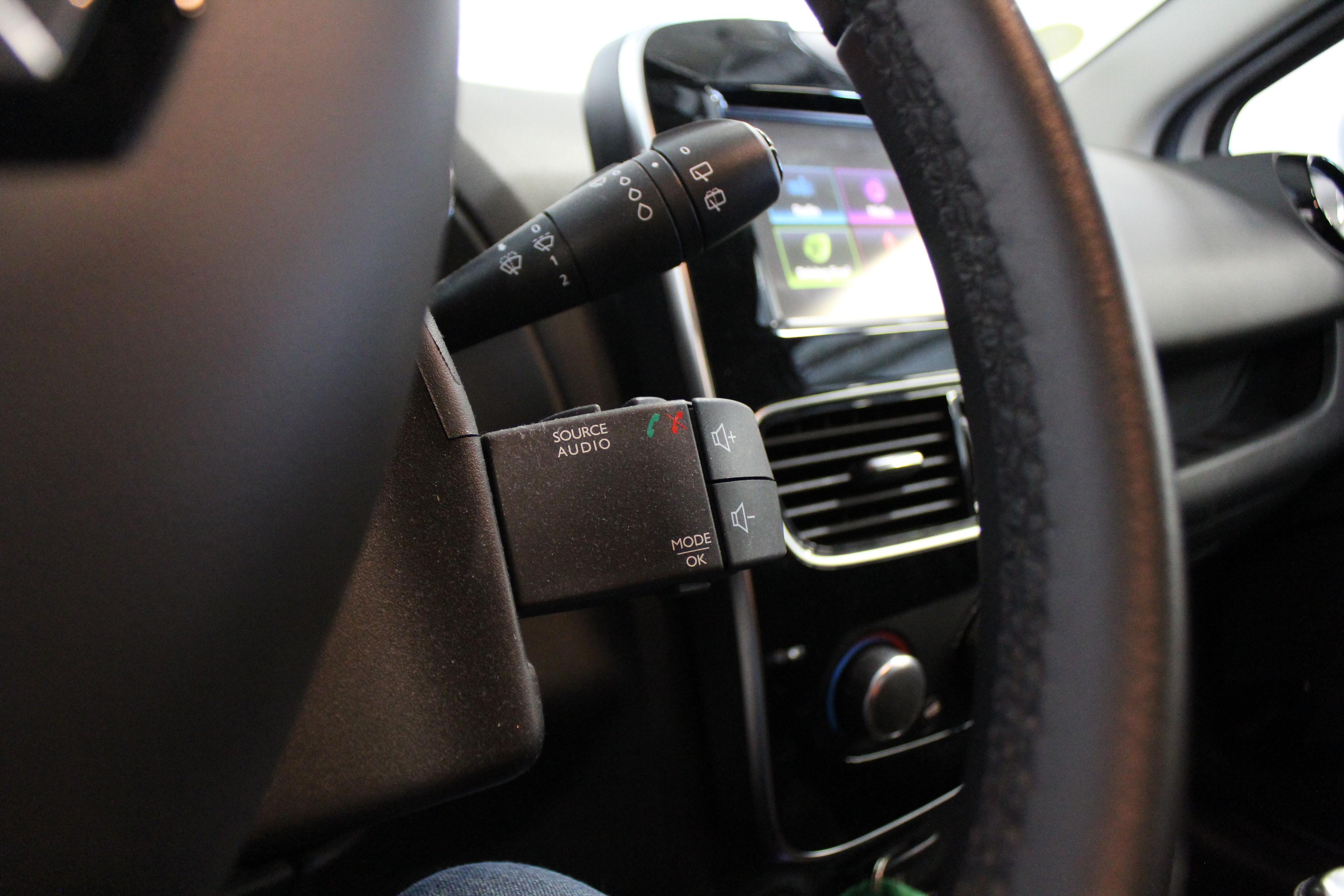 RENAULT CLIO IV 2017 - Photo n°14