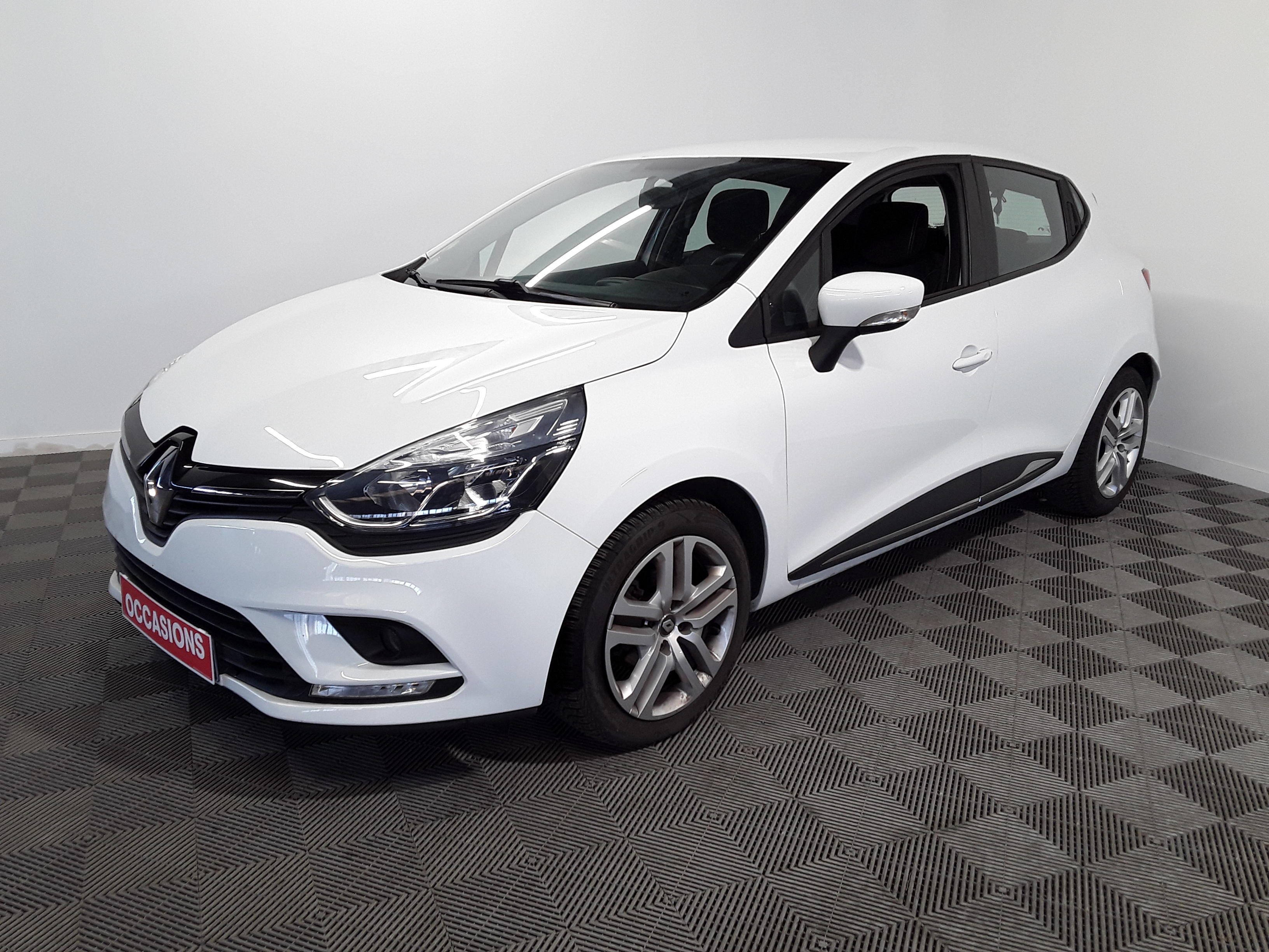 RENAULT CLIO IV BUSINESS dCi 75 Energy Business d'occasion