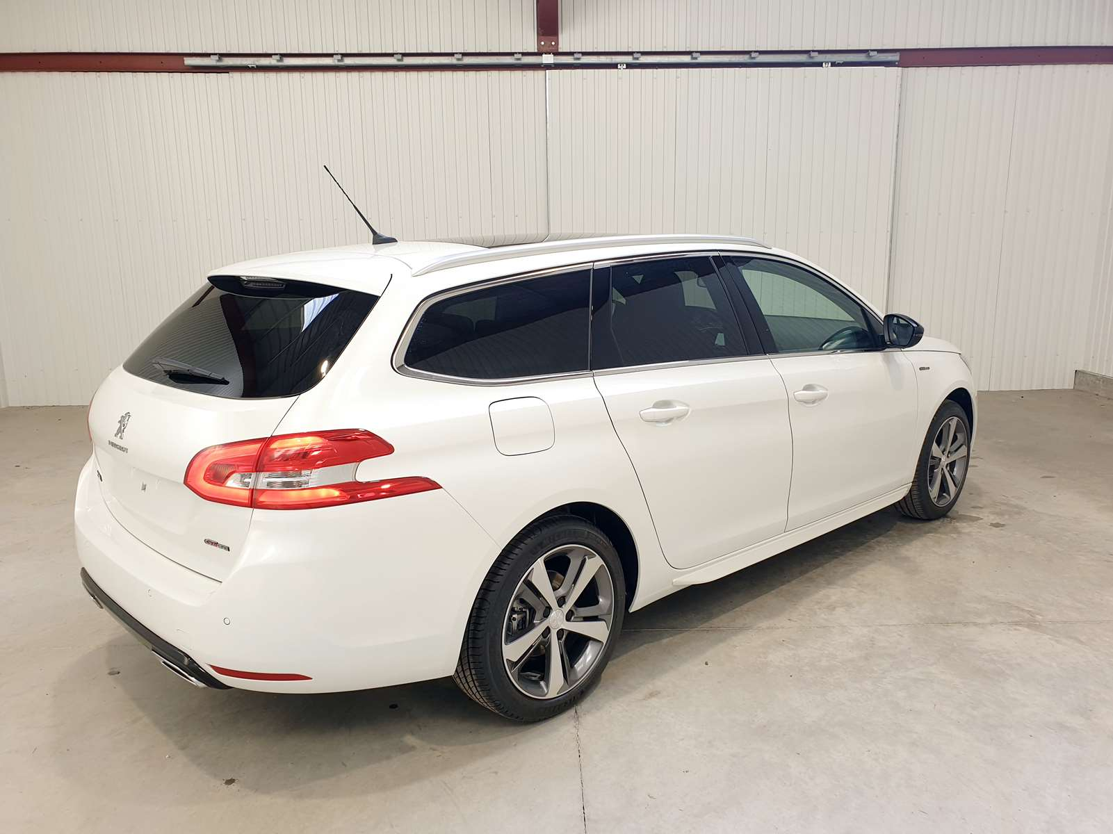 Miniature PEUGEOT 308 SW BlueHDi 130 S&S EAT8 GT Line TOIT PANORAMIQUE