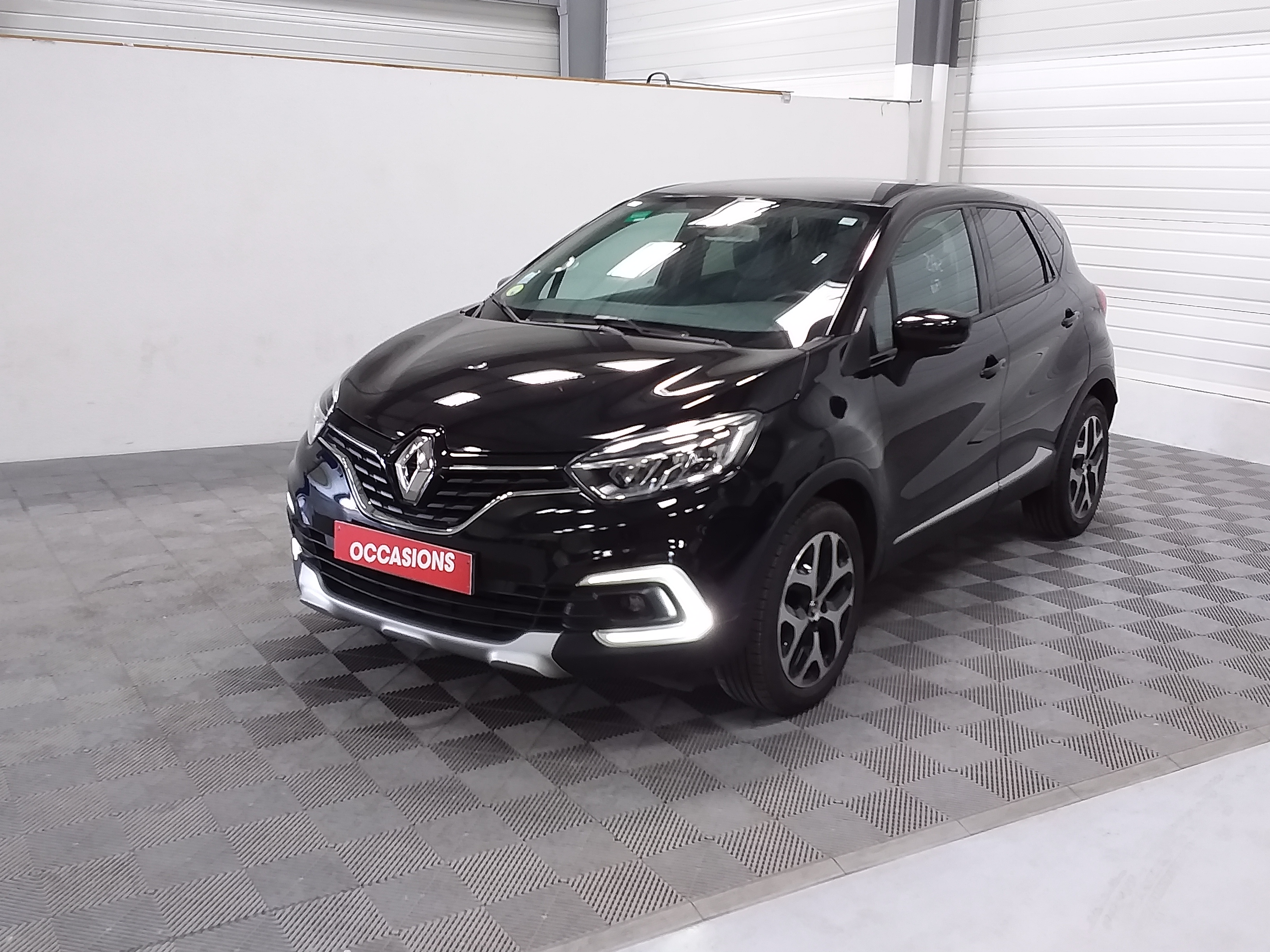 Photo du véhicule RENAULT CAPTUR dCi 90 Energy Intens