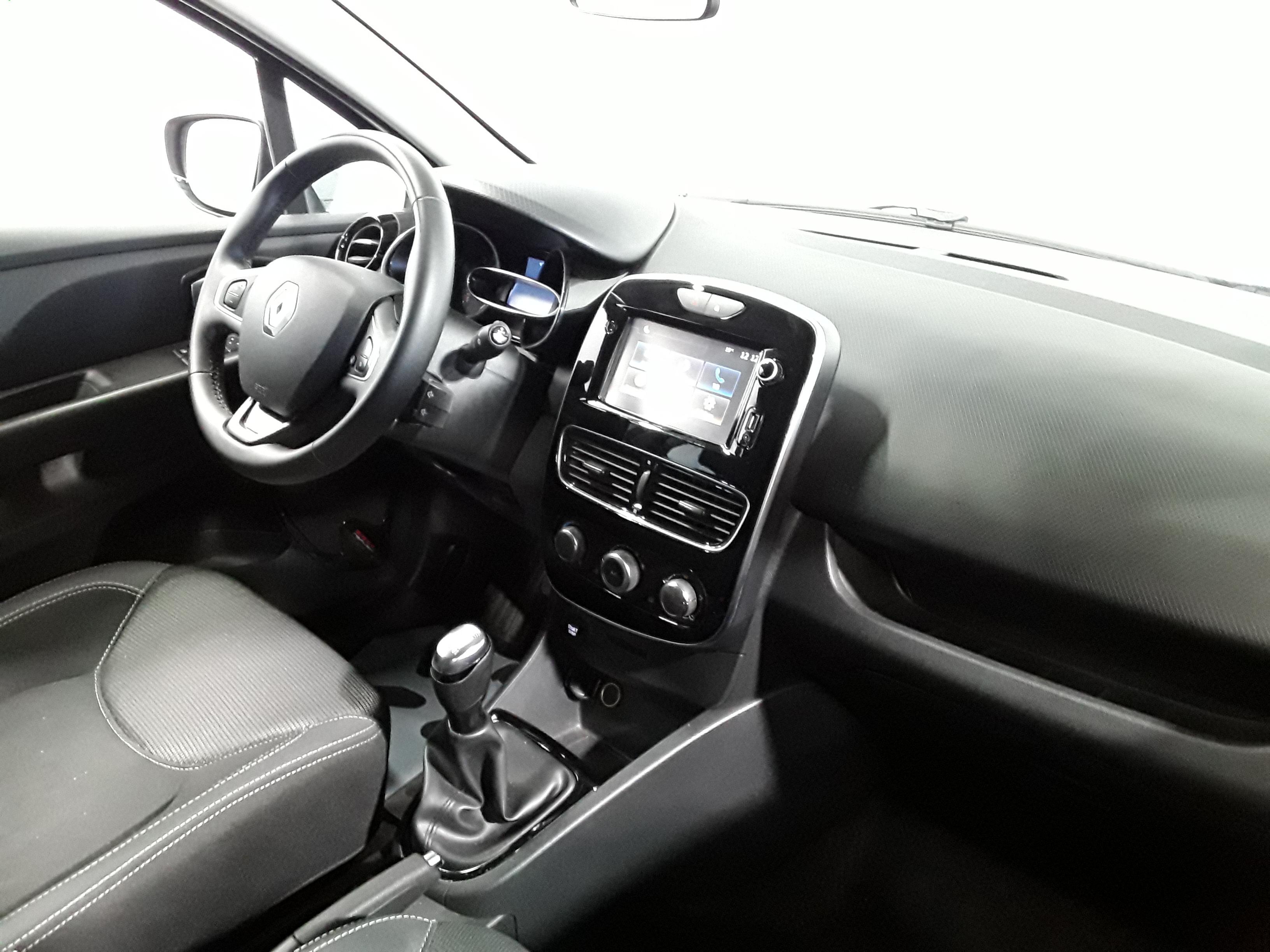 RENAULT CLIO IV 2018 - Photo n°5