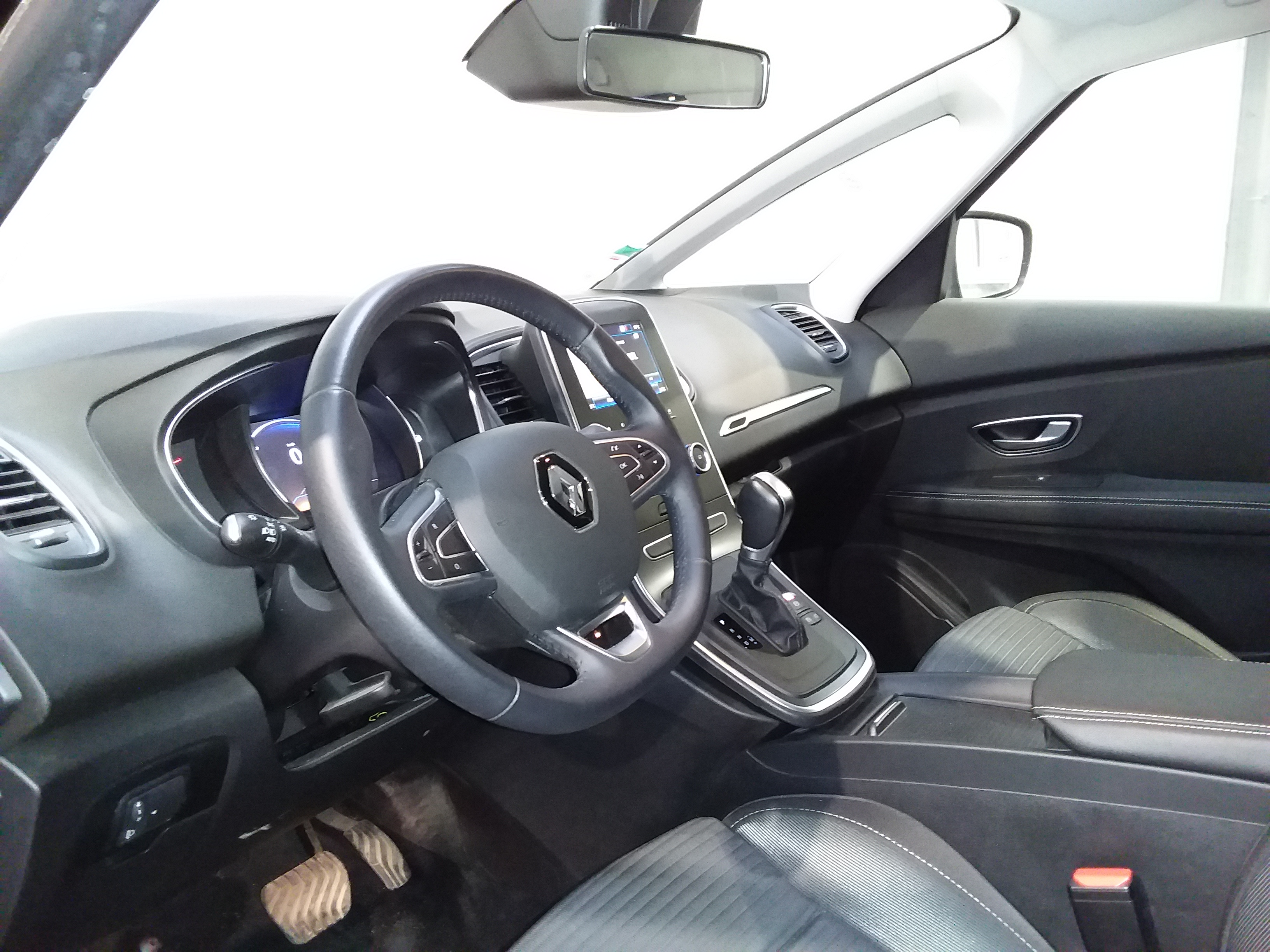 RENAULT GRAND SCENIC IV BUSINESS 2018 - Photo n°6