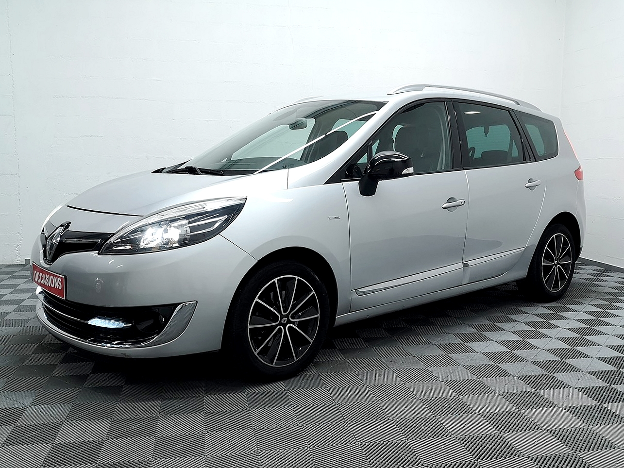 RENAULT GRAND SCENIC III dCi 130 Energy FAP eco2 Bose  7 pl d'occasion