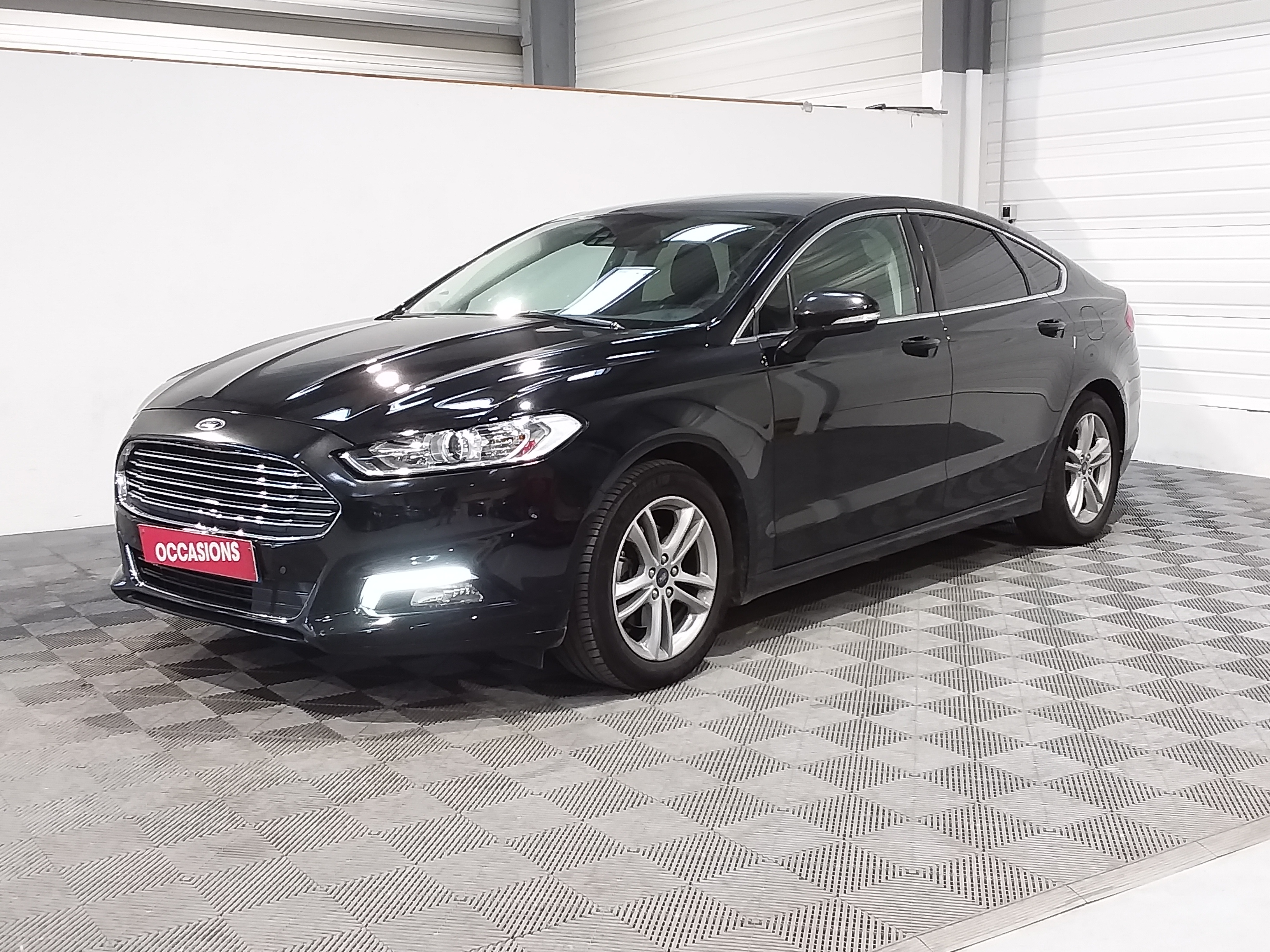 Photo du véhicule FORD MONDEO 2.0 TDCi 150 PowerShift Titanium