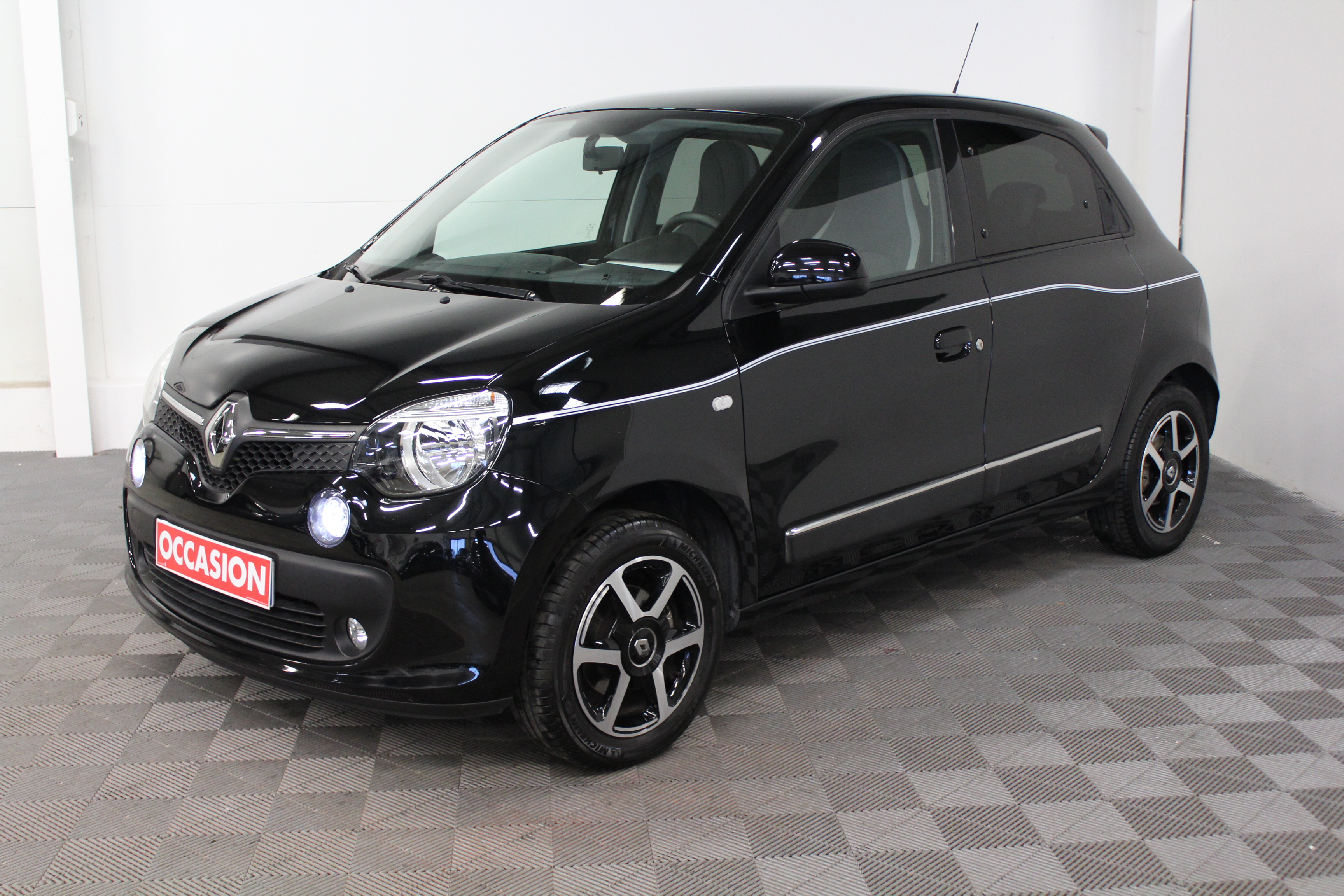 RENAULT TWINGO III 0.9 TCe 90 Energy Intens - 5P d'occasion