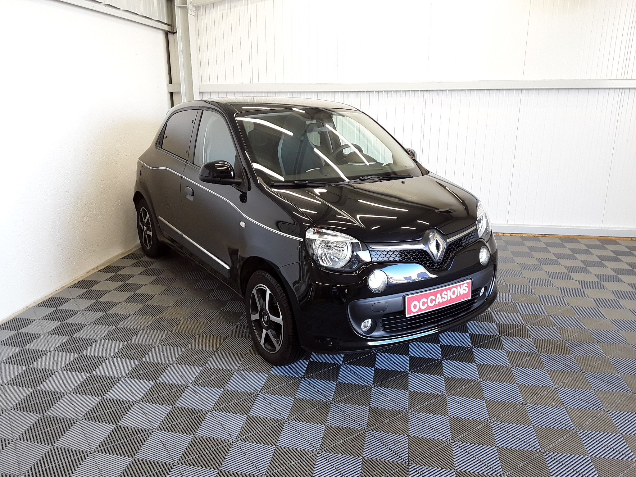 RENAULT TWINGO III 2019 - Photo n°2