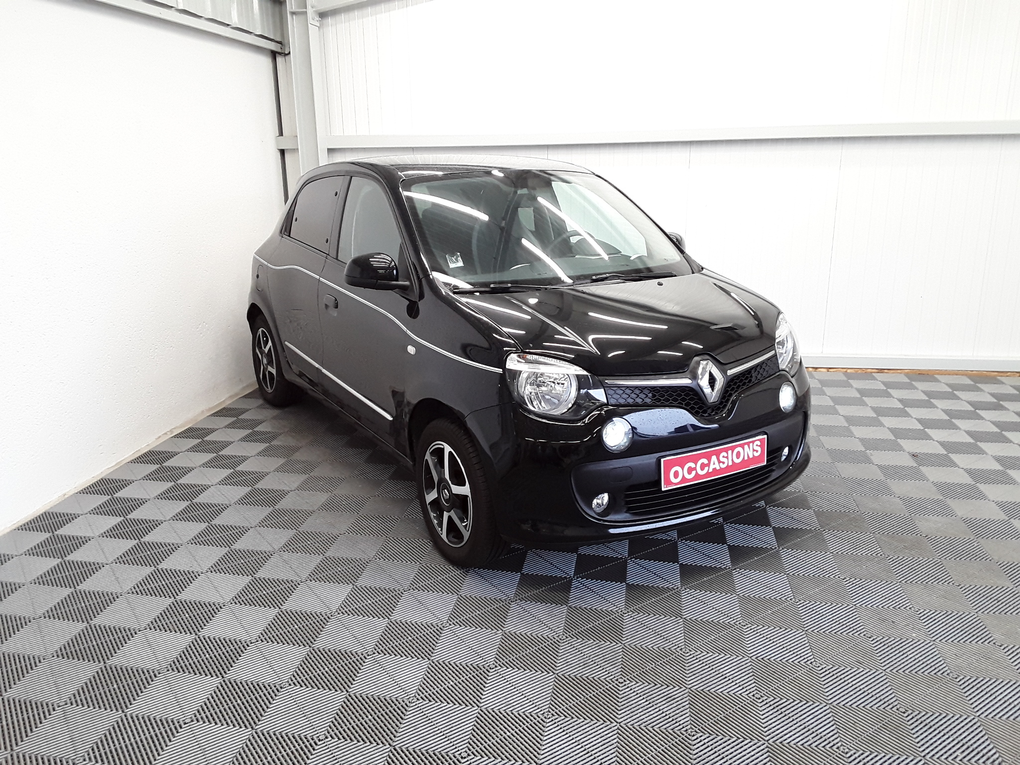 RENAULT TWINGO III 2019 à 8900 € - Photo n°2