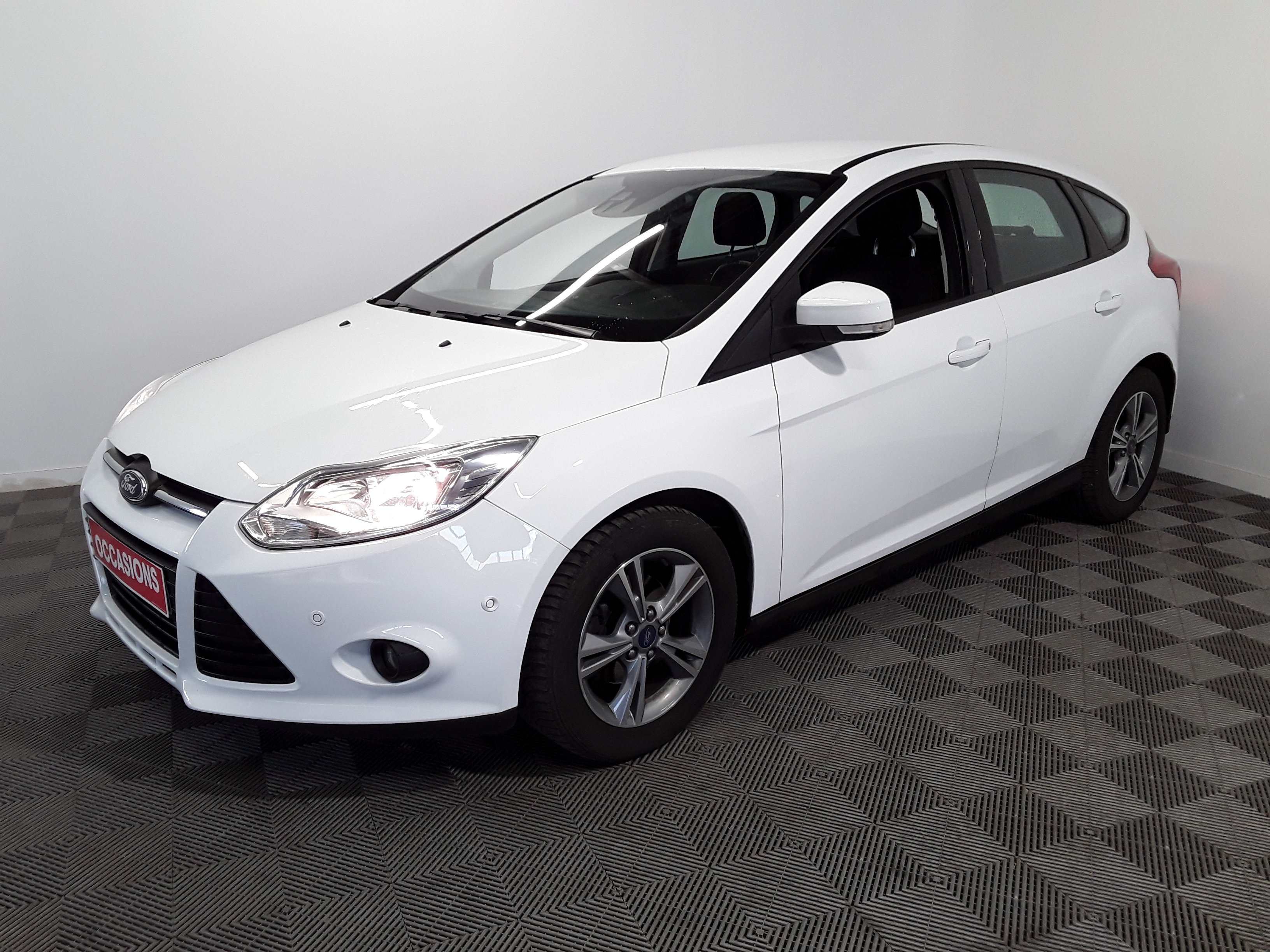 FORD FOCUS 2014 à 7900 € - Photo n°1