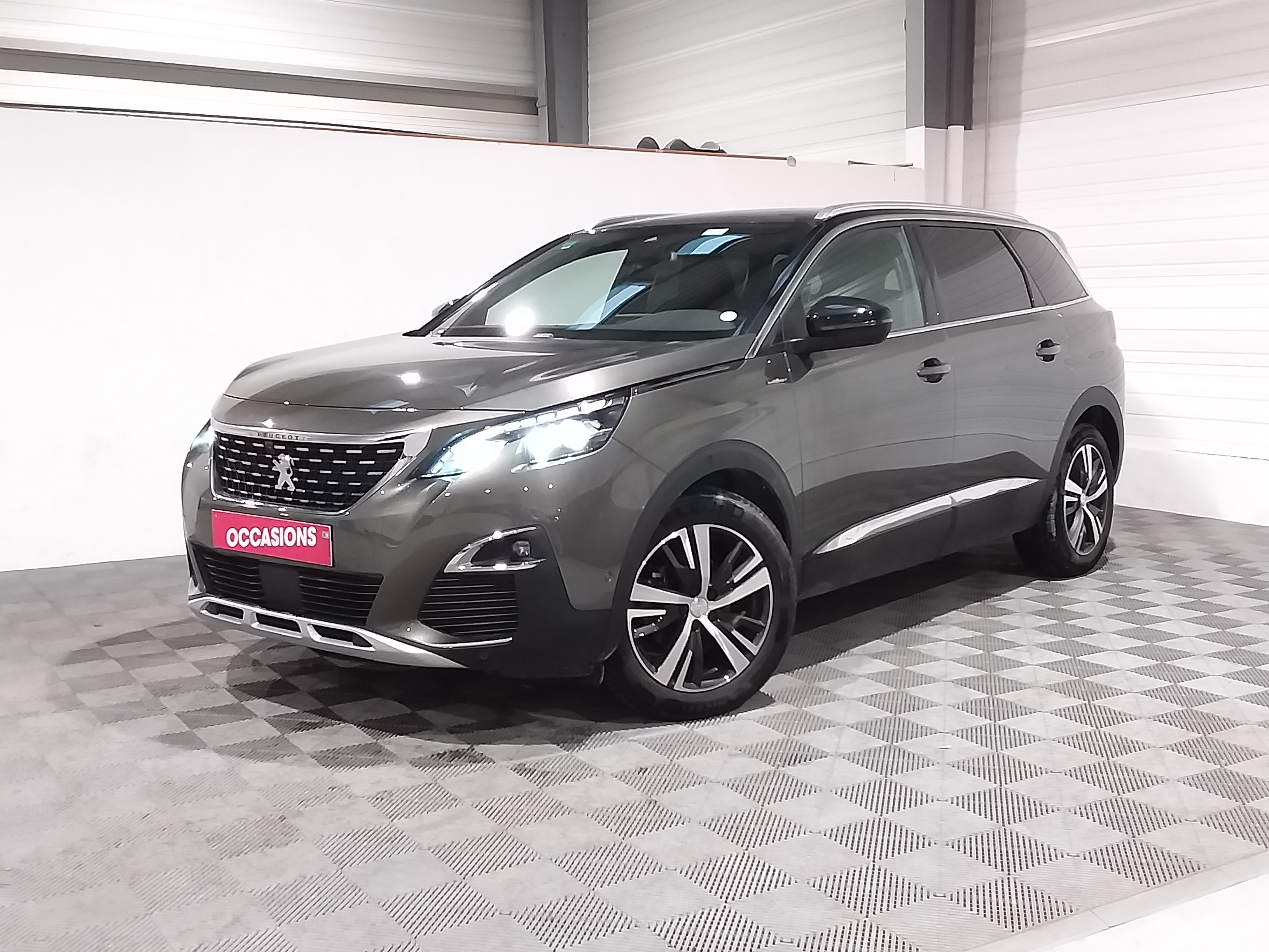 Photo du véhicule PEUGEOT 5008 GT Line BlueHDi 130 S&S EAT8