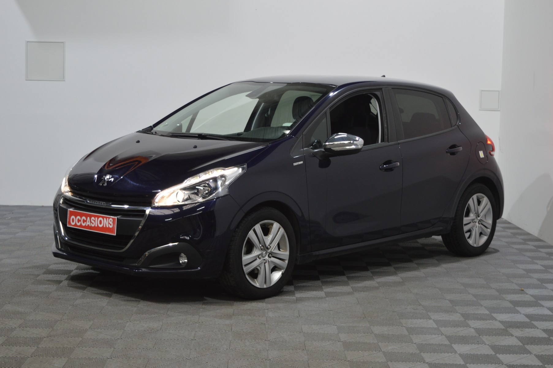 PEUGEOT 208 1.6 BlueHDi 75ch BVM5 Style d'occasion