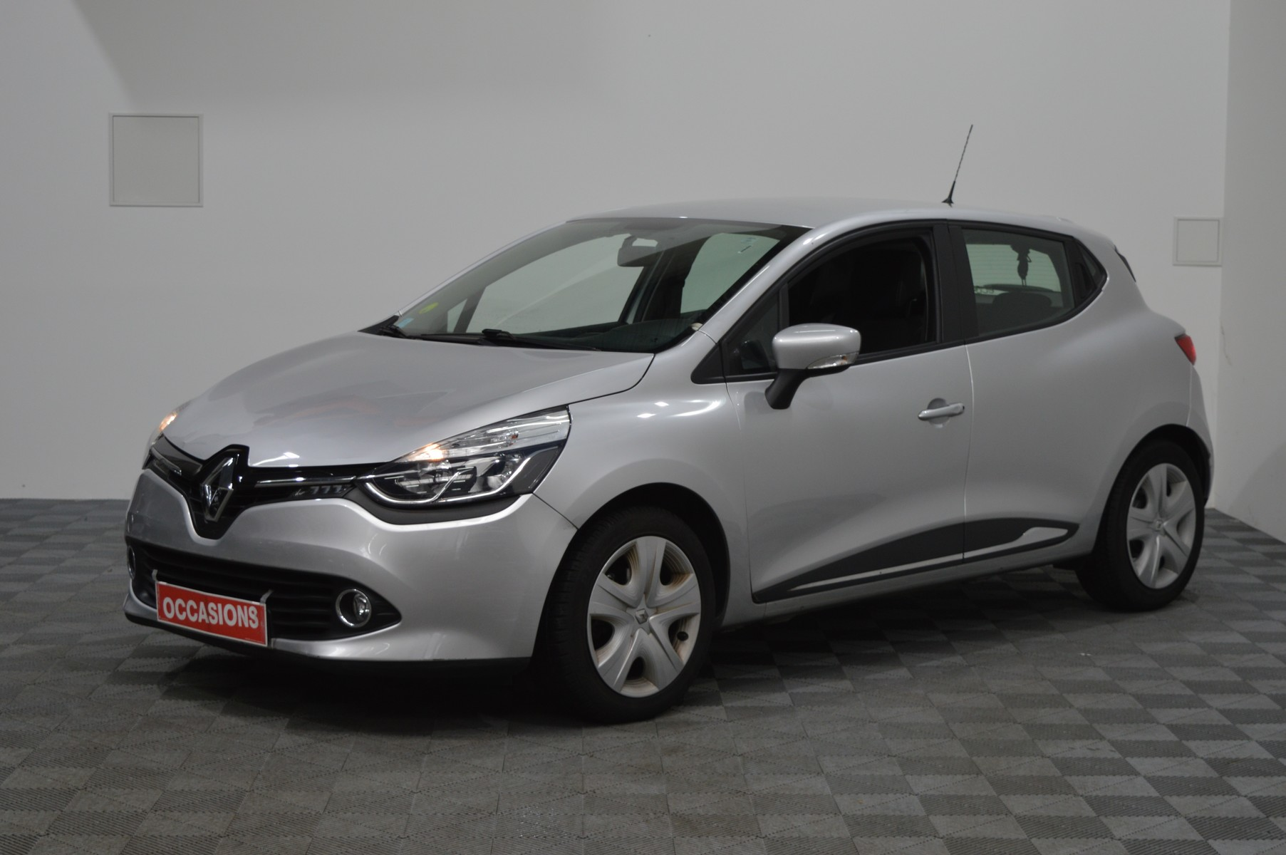 RENAULT CLIO IV BUSINESS dCi 90 Energy eco2 82g Business d'occasion