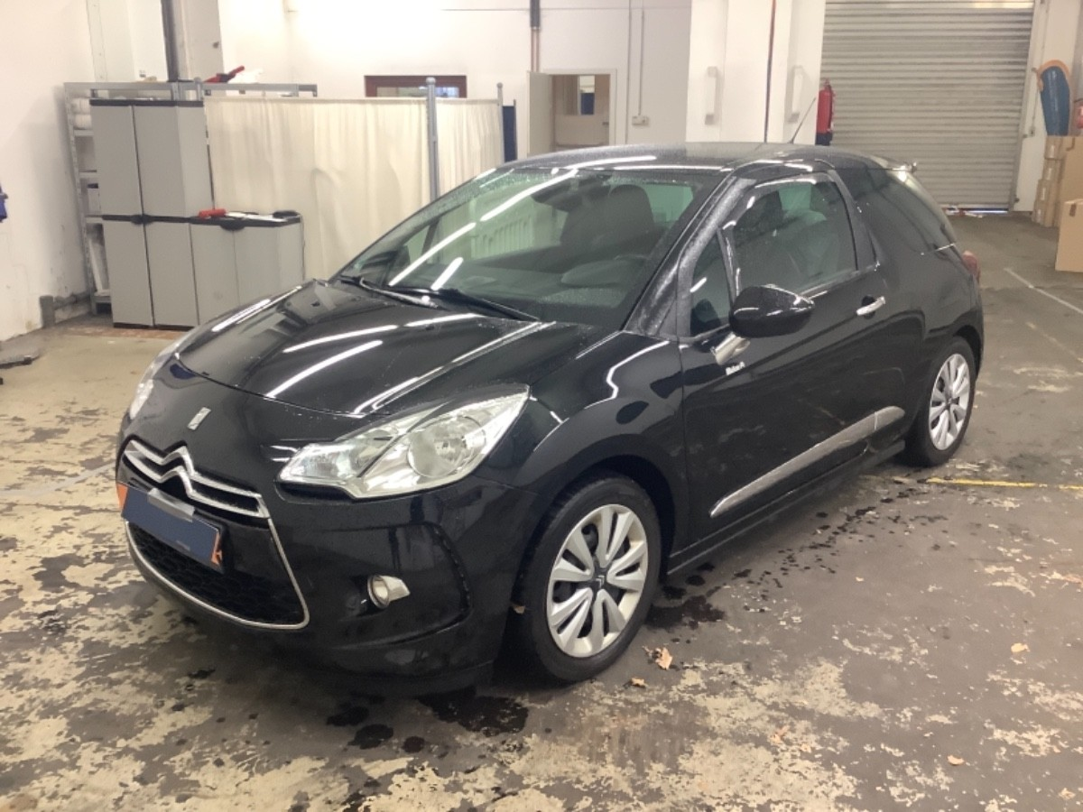 CITROEN - DS3- 1.6 e-HDI SPORT CHIC 1ERE MAIN