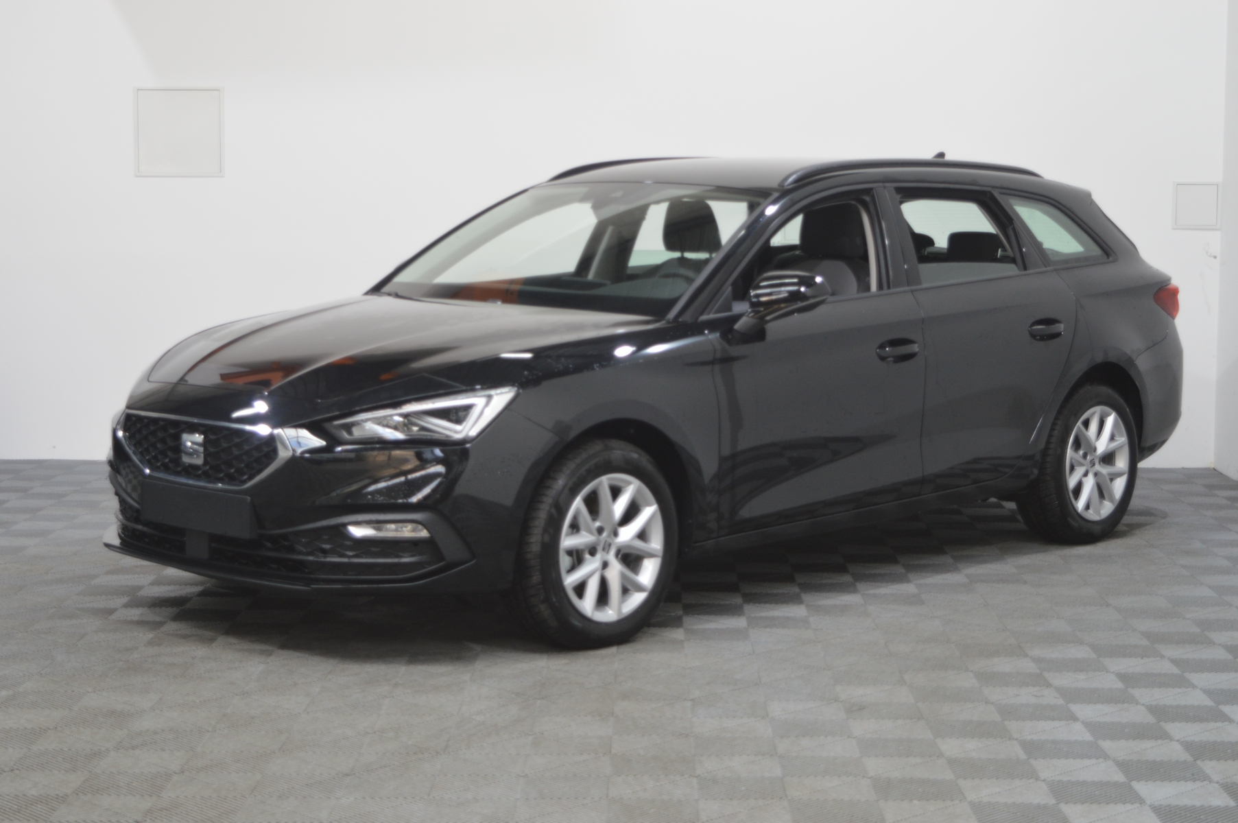 Photo du véhicule SEAT LEON SPORTSTOURER 2.0 TDI 150 DSG7 Style Business
