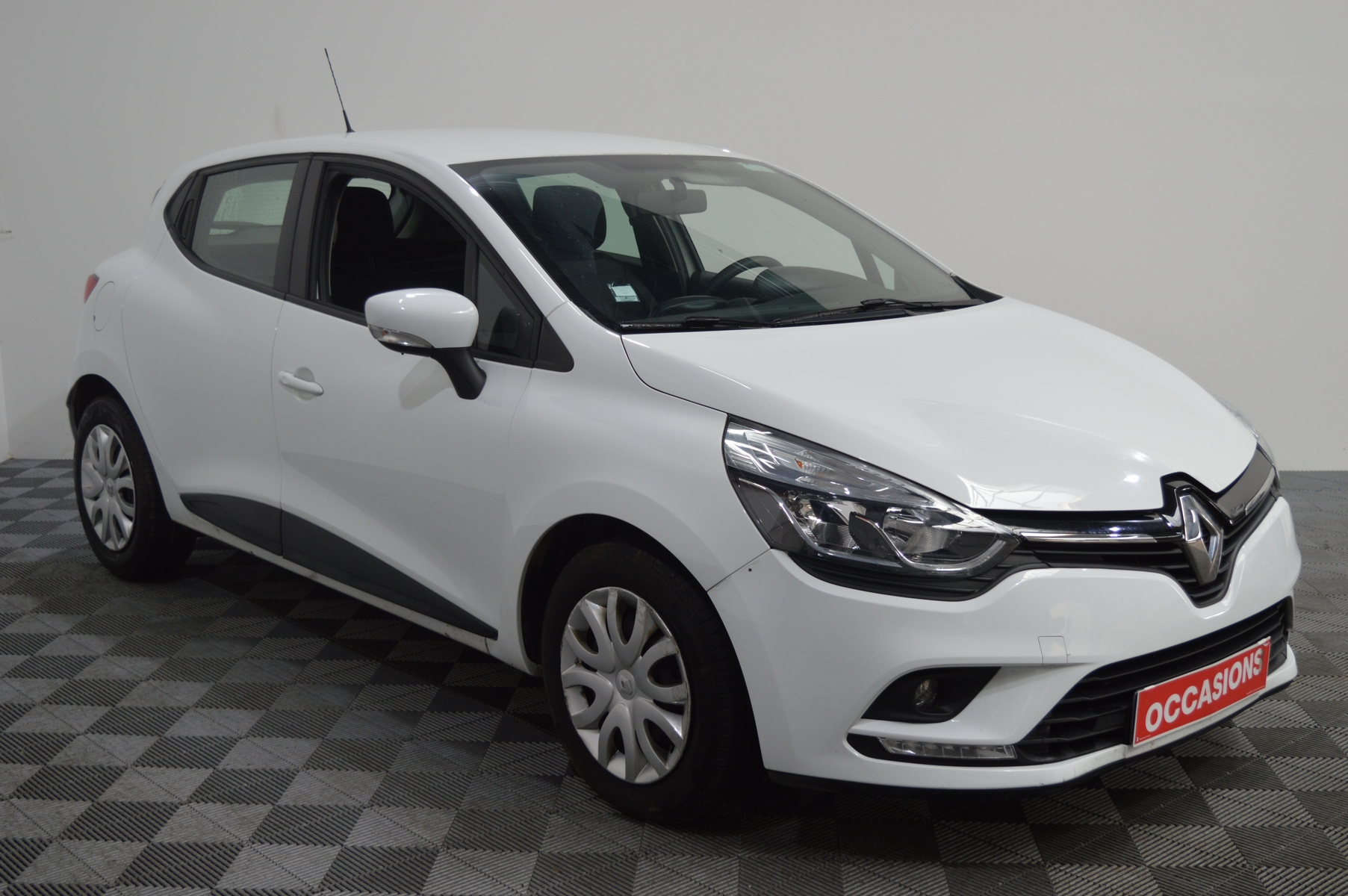 RENAULT CLIO IV SOCIETE 2018 à 7400 € - Photo n°2