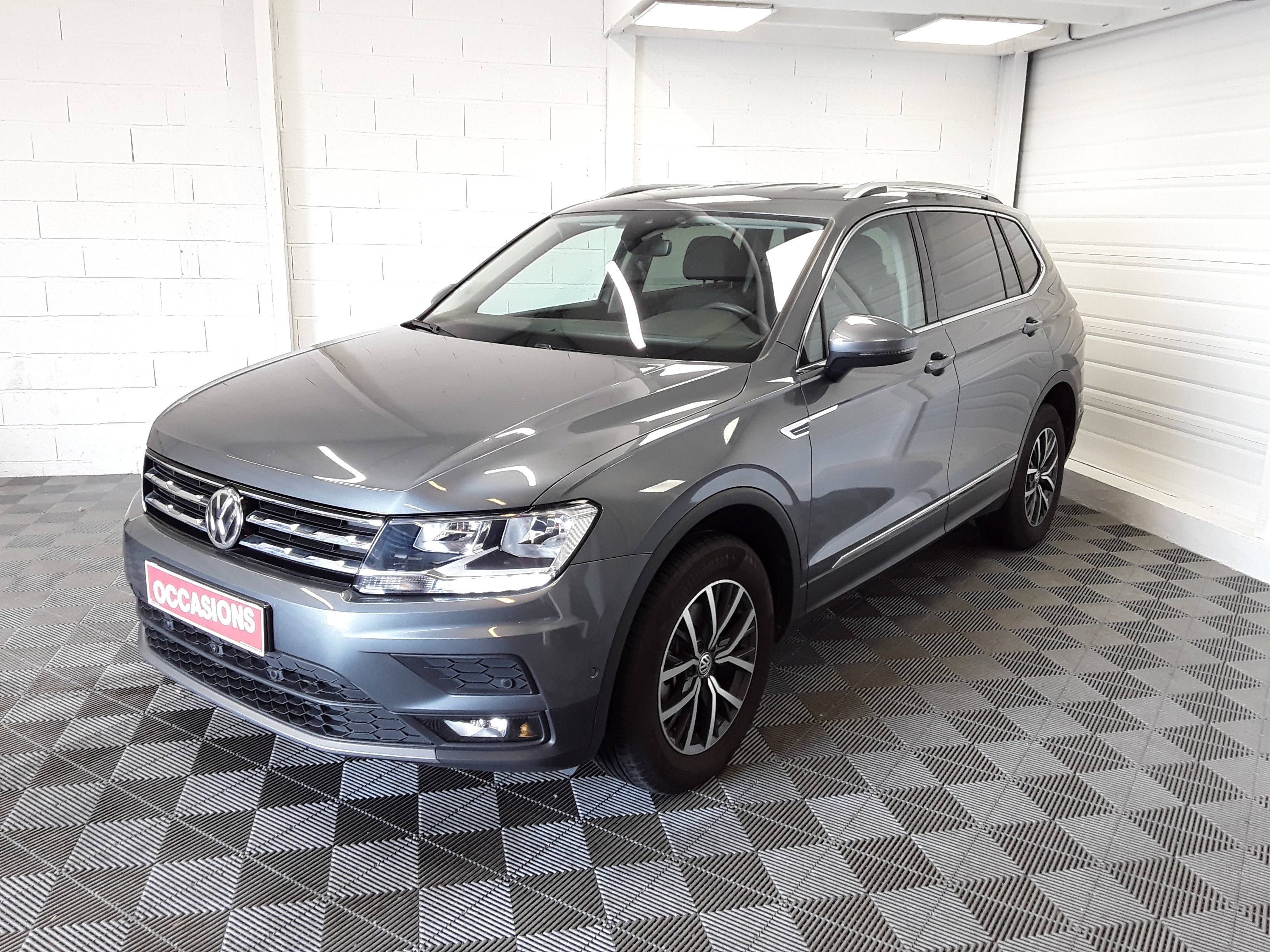 Photo du véhicule VOLKSWAGEN TIGUAN ALLSPACE BUSINESS 2.0 TDI 150 Confortline Business