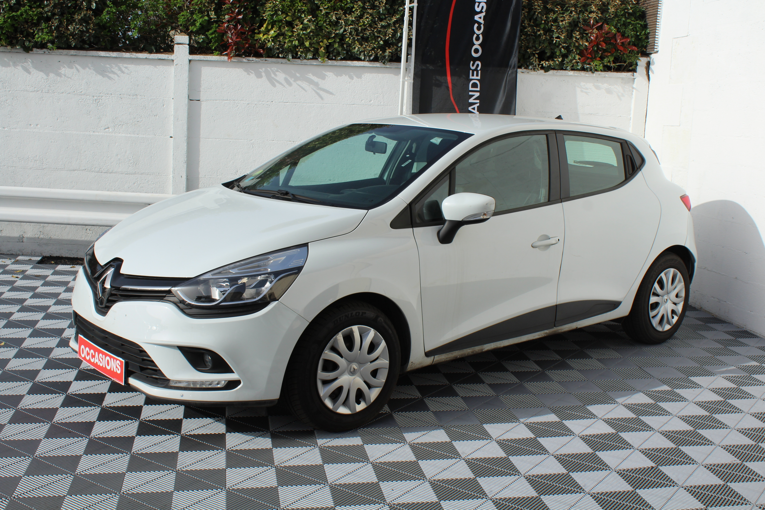 RENAULT CLIO IV SOCIETE 2016 à 7900 € - Photo n°1