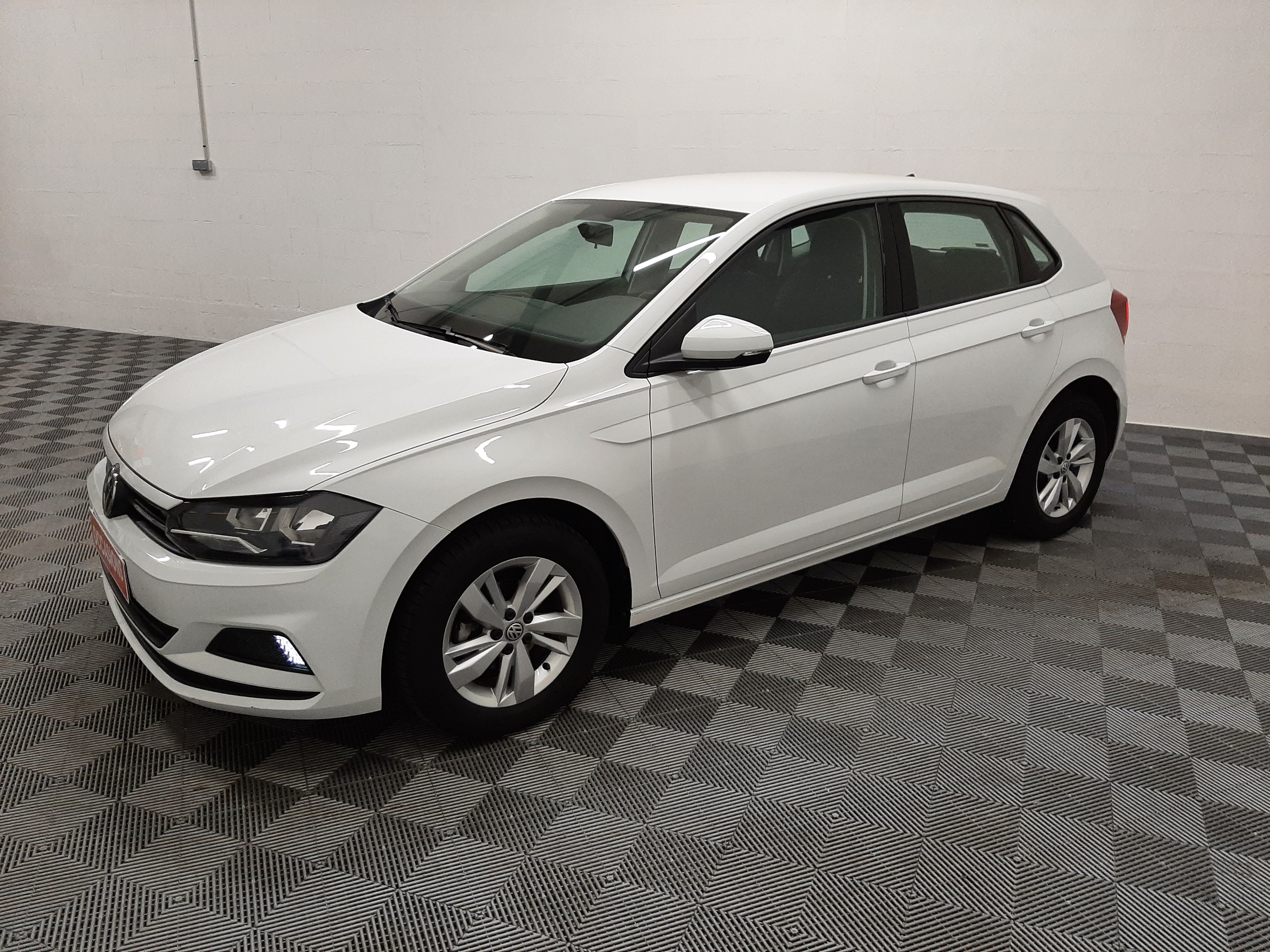 Photo du véhicule VOLKSWAGEN POLO ADVANCE 1.0 80 CV