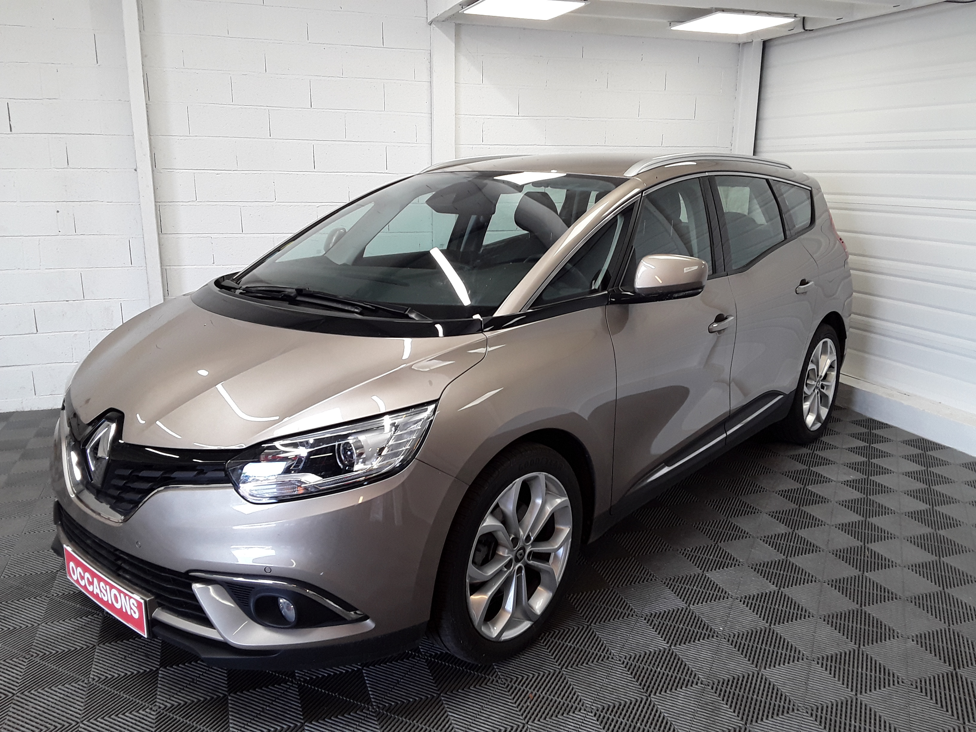 RENAULT GRAND SCENIC IV BUSINESS Business Energy dCi 110 7P d'occasion