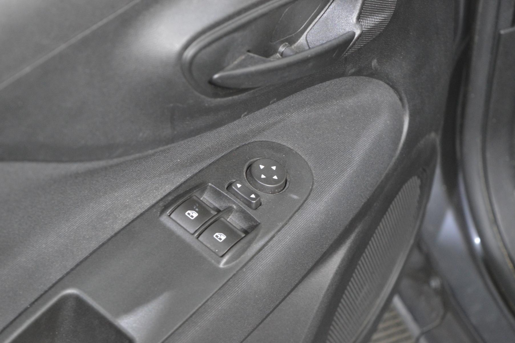 FIAT PUNTO EVO 2011 à 4500 € - Photo n°20