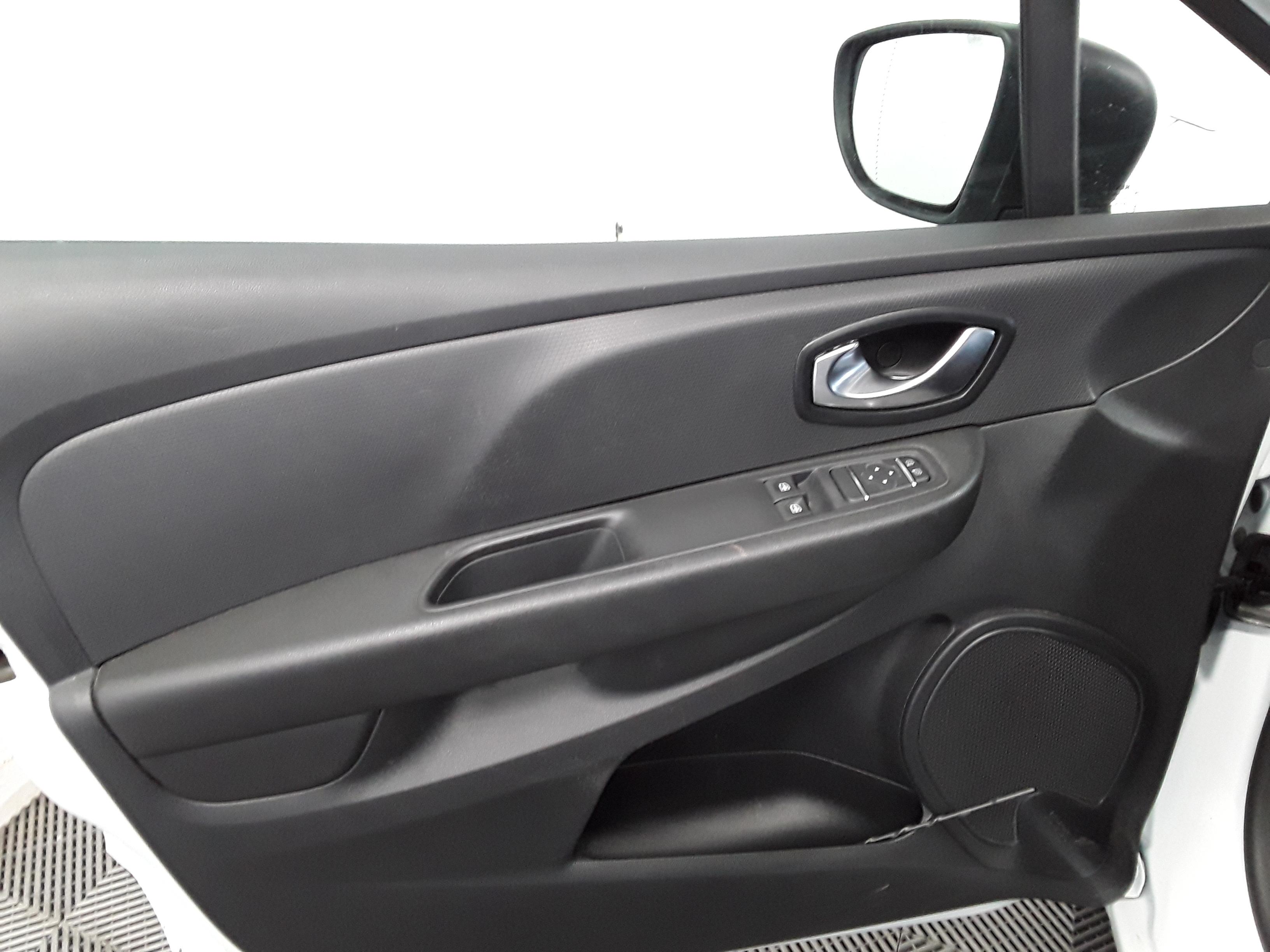 RENAULT CLIO IV SOCIETE 2018 à 6400 € - Photo n°12