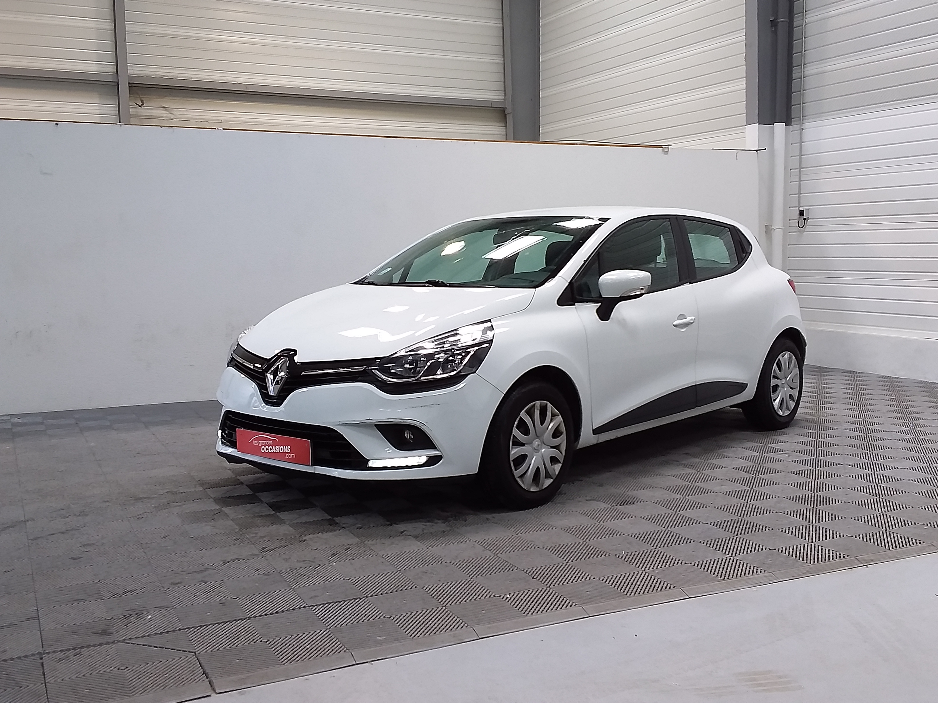 RENAULT CLIO IV SOCIETE 2017 à 5900 € - Photo n°1