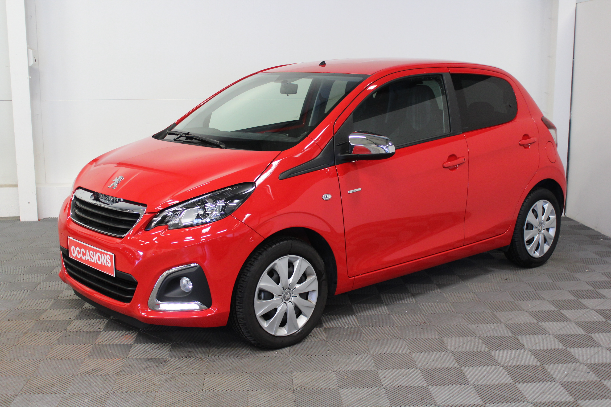 PEUGEOT 108 1.0 VTi 68 ch Style d'occasion