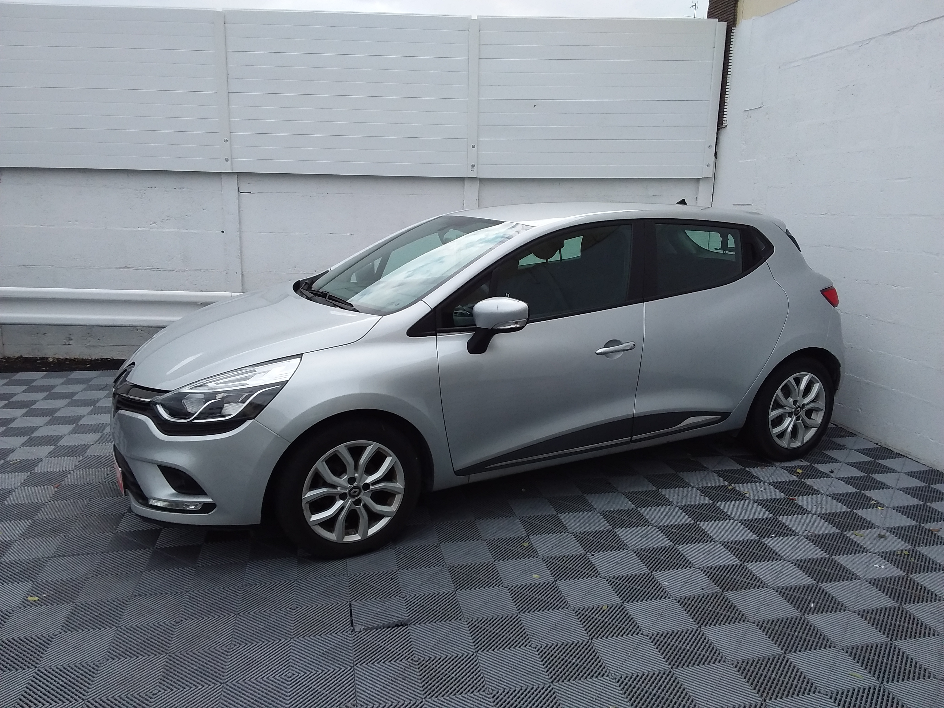 RENAULT CLIO IV BUSINESS Business dCi 90 EDC d'occasion