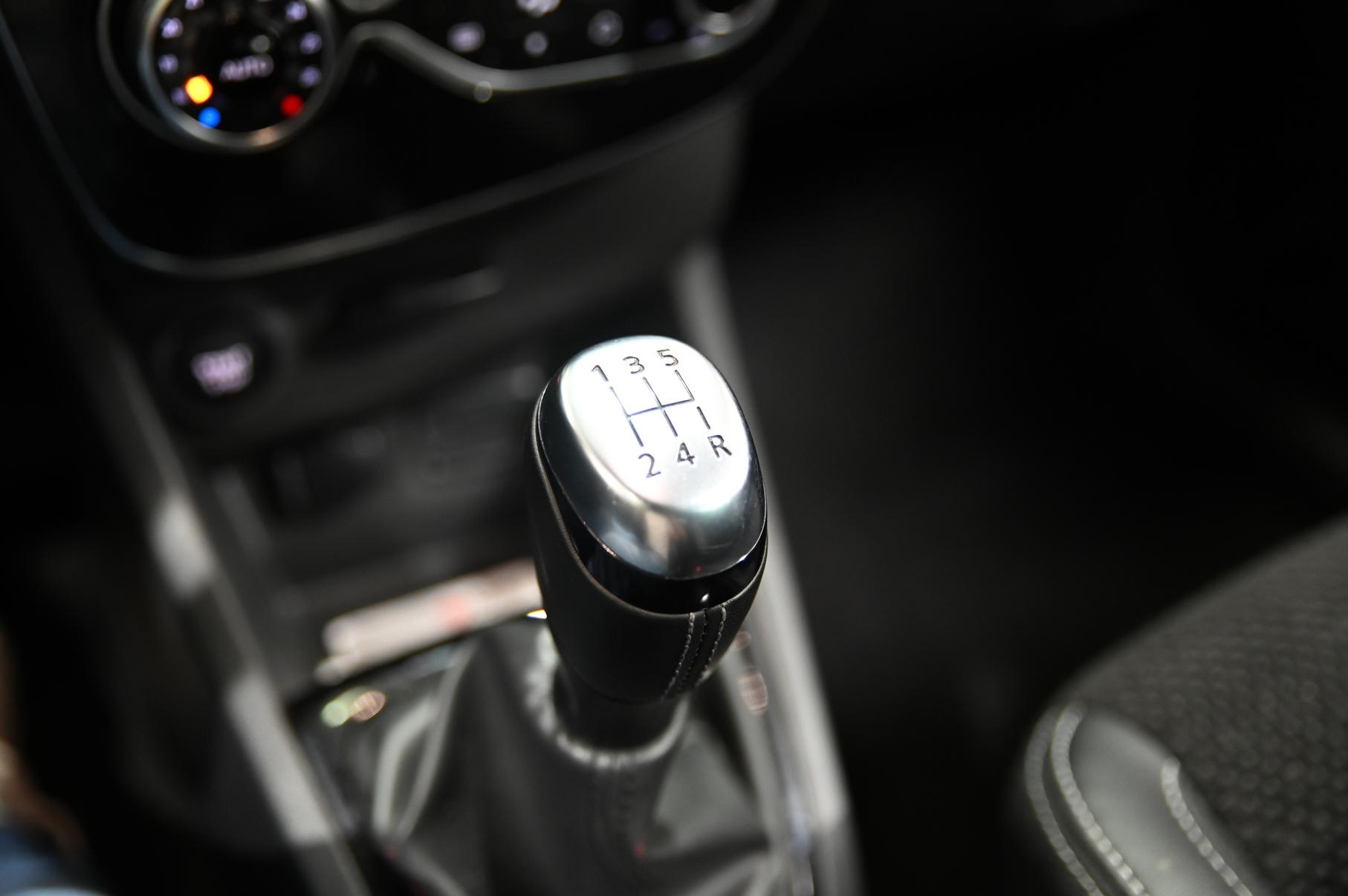RENAULT CLIO IV 2019 - Photo n°35