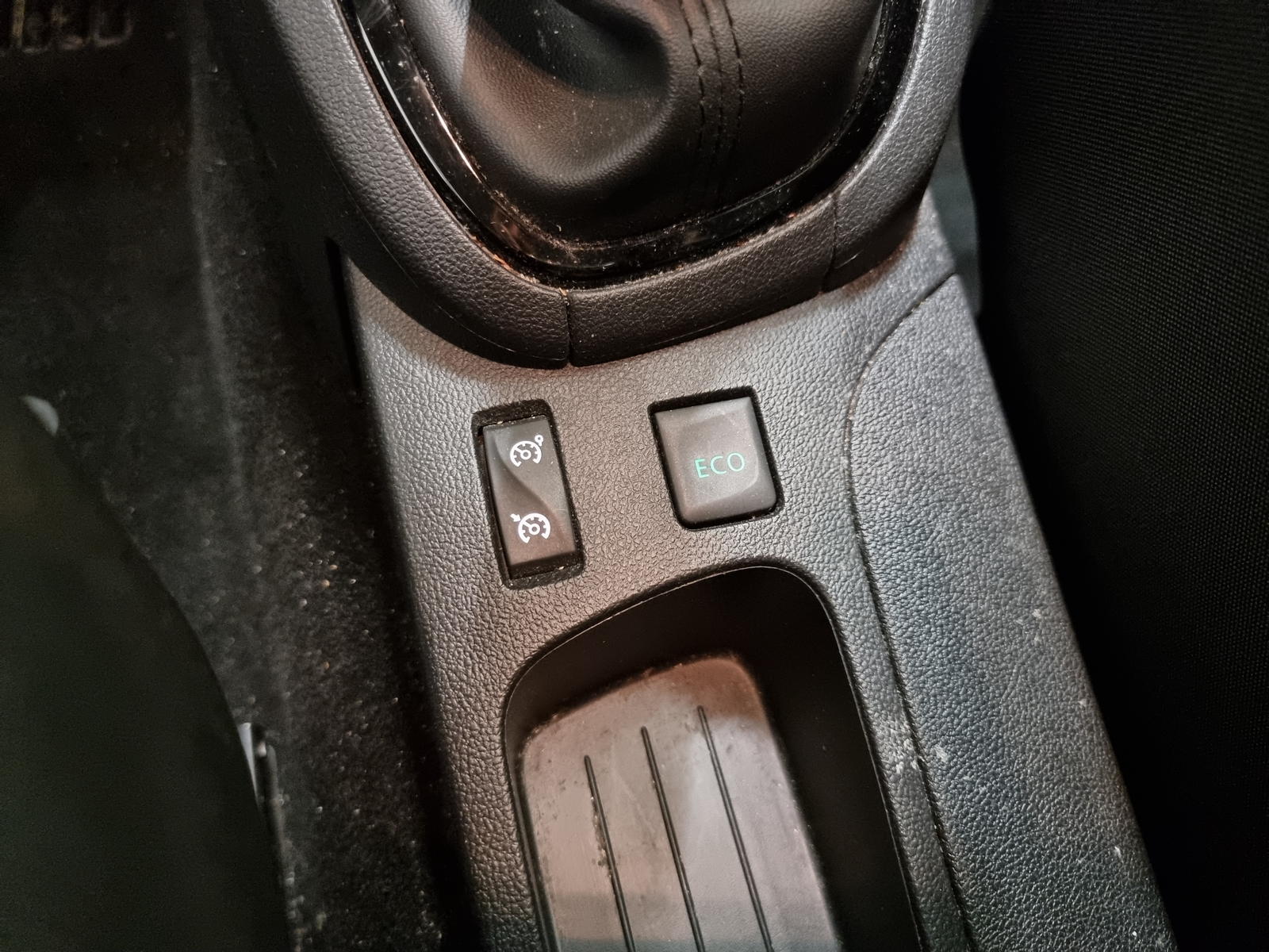 RENAULT CLIO IV 2019 - Photo n°16