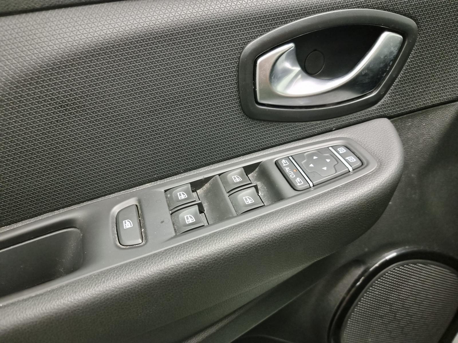 RENAULT CLIO IV 2019 - Photo n°24