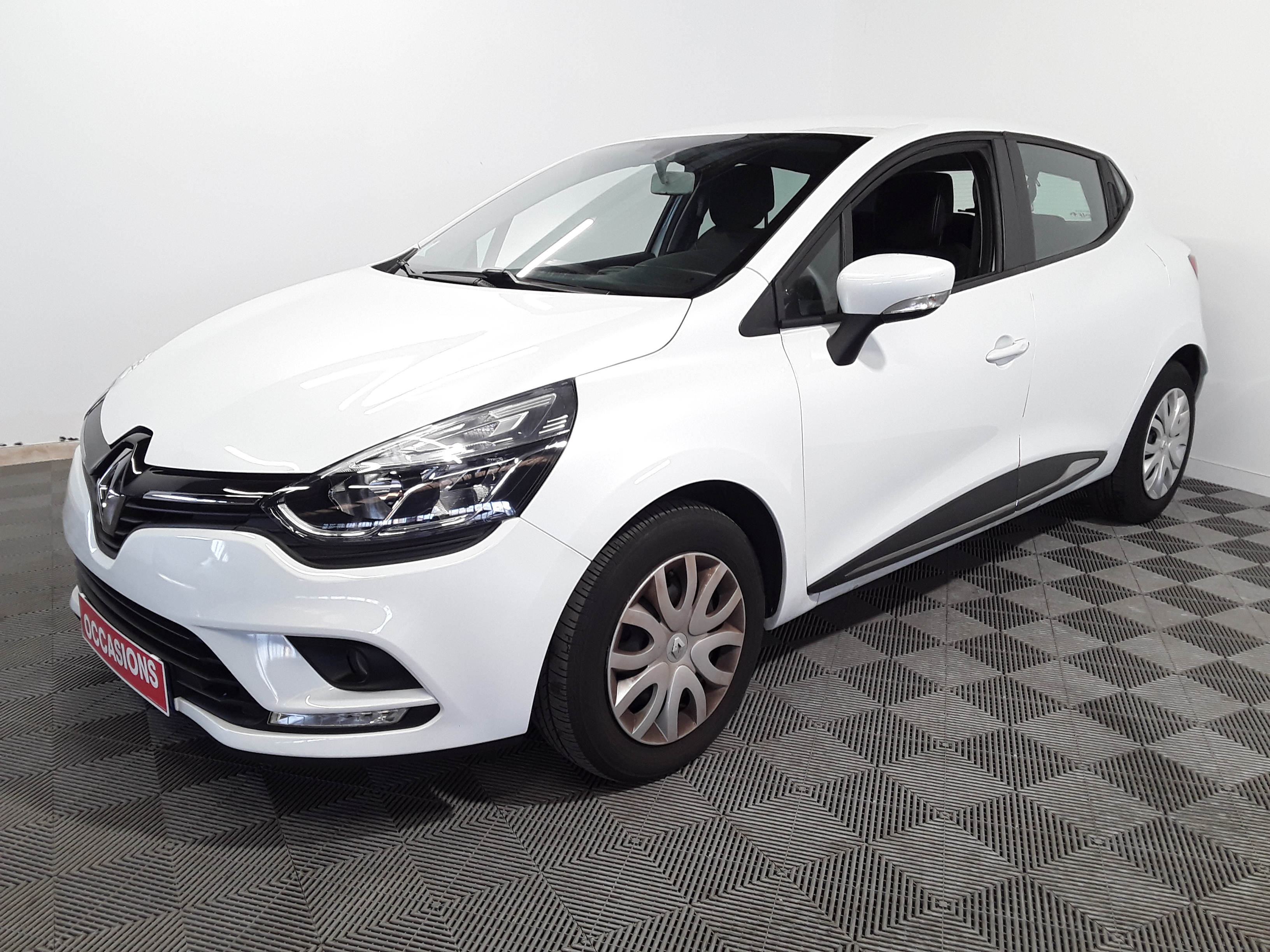 RENAULT CLIO IV BUSINESS dCi 90 Business - 5P d'occasion