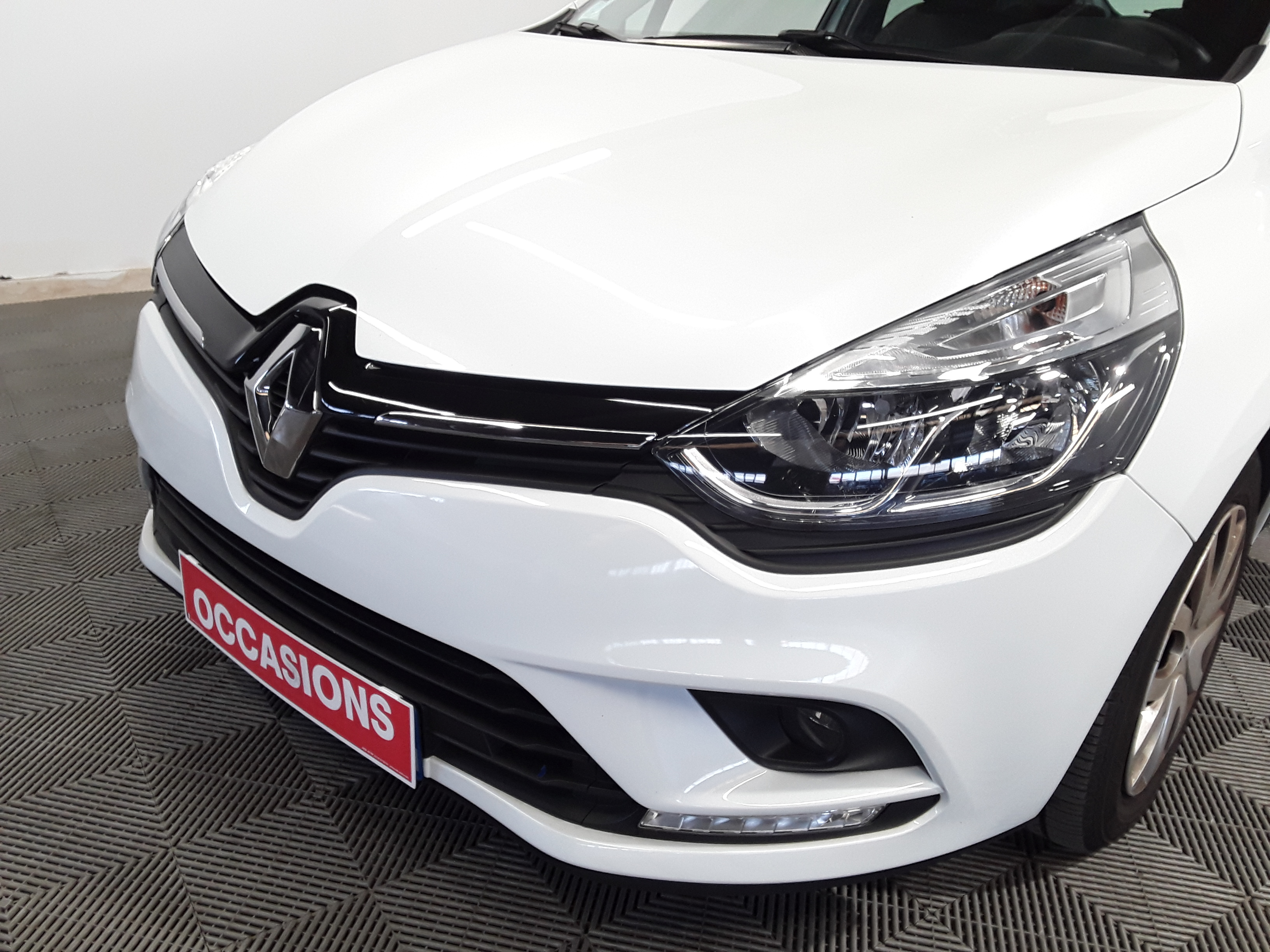 RENAULT CLIO IV BUSINESS 2019 - Photo n°3