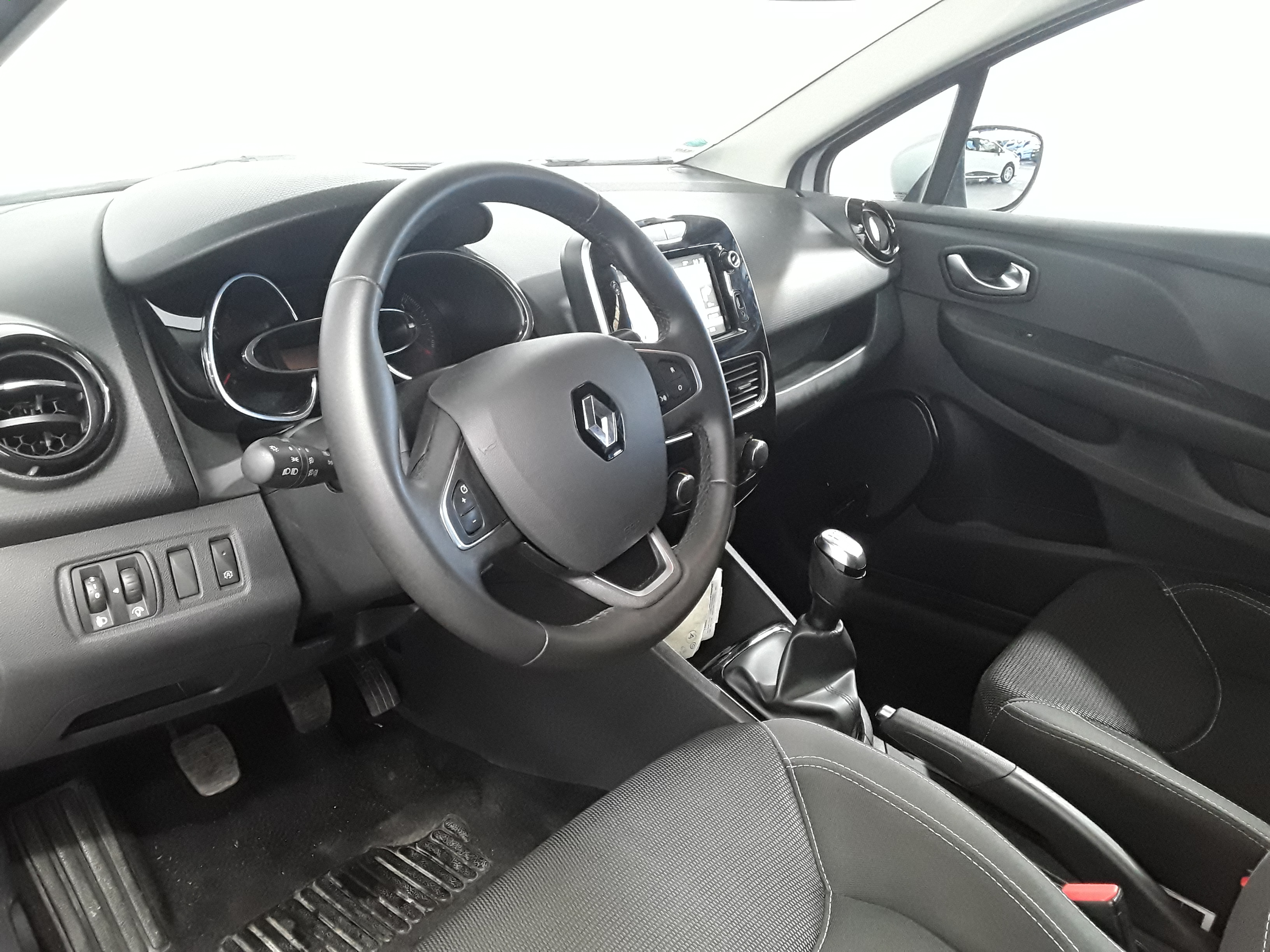 RENAULT CLIO IV BUSINESS 2019 - Photo n°31
