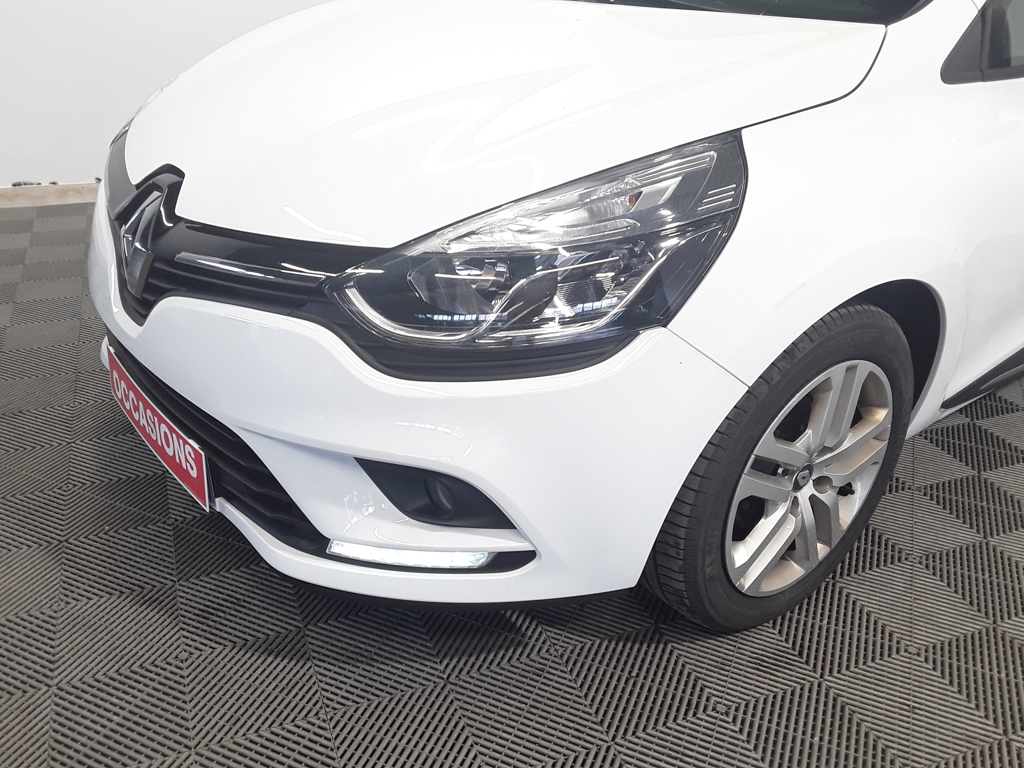 RENAULT CLIO IV BUSINESS 2018 - Photo n°3