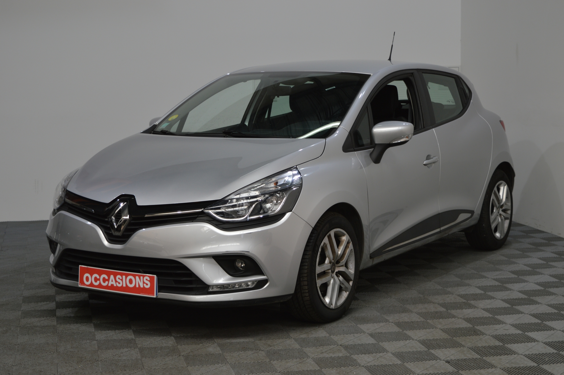 RENAULT CLIO IV Business dCi 75 d'occasion