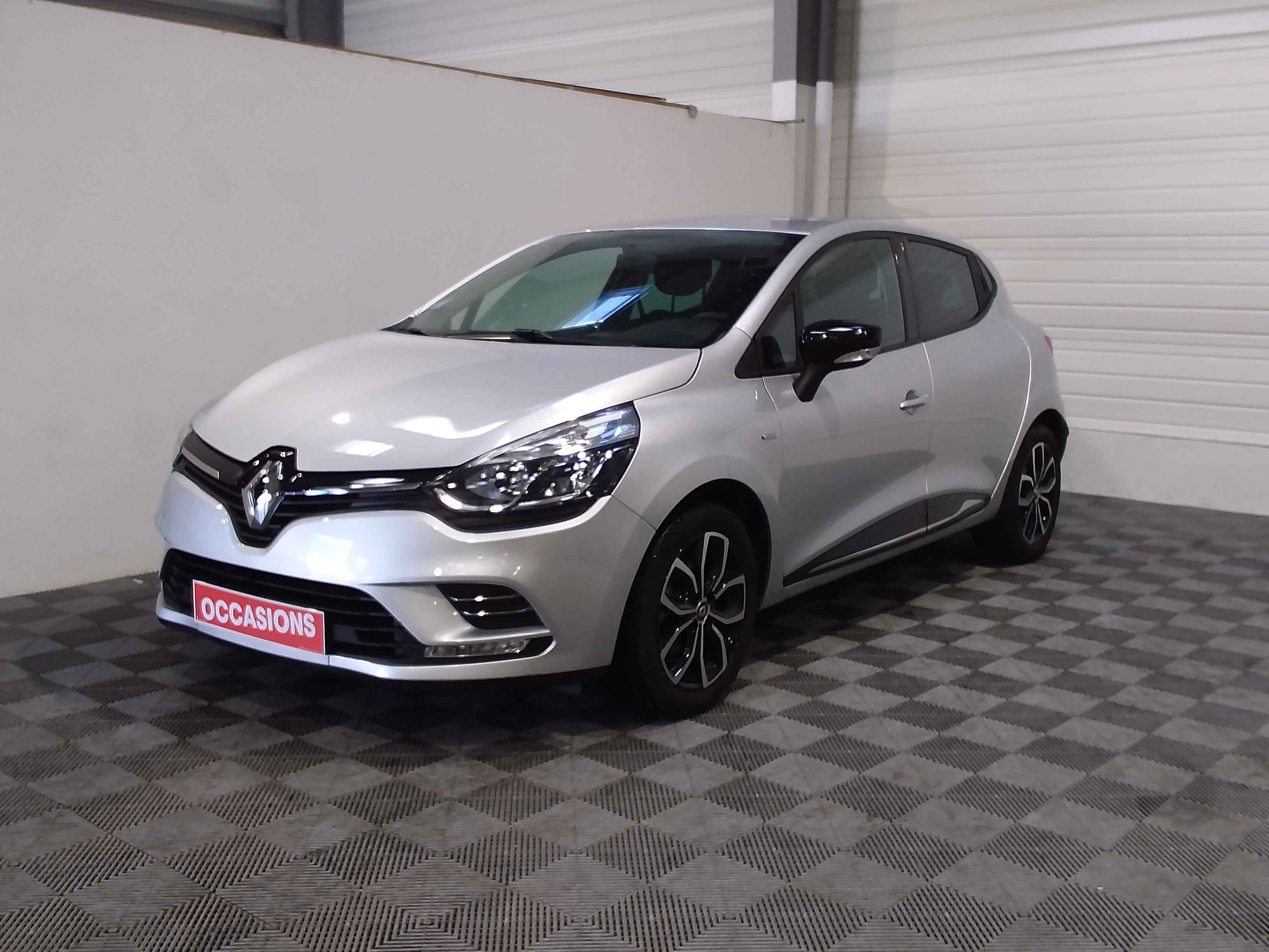 RENAULT CLIO IV Limited TCe 90 d'occasion