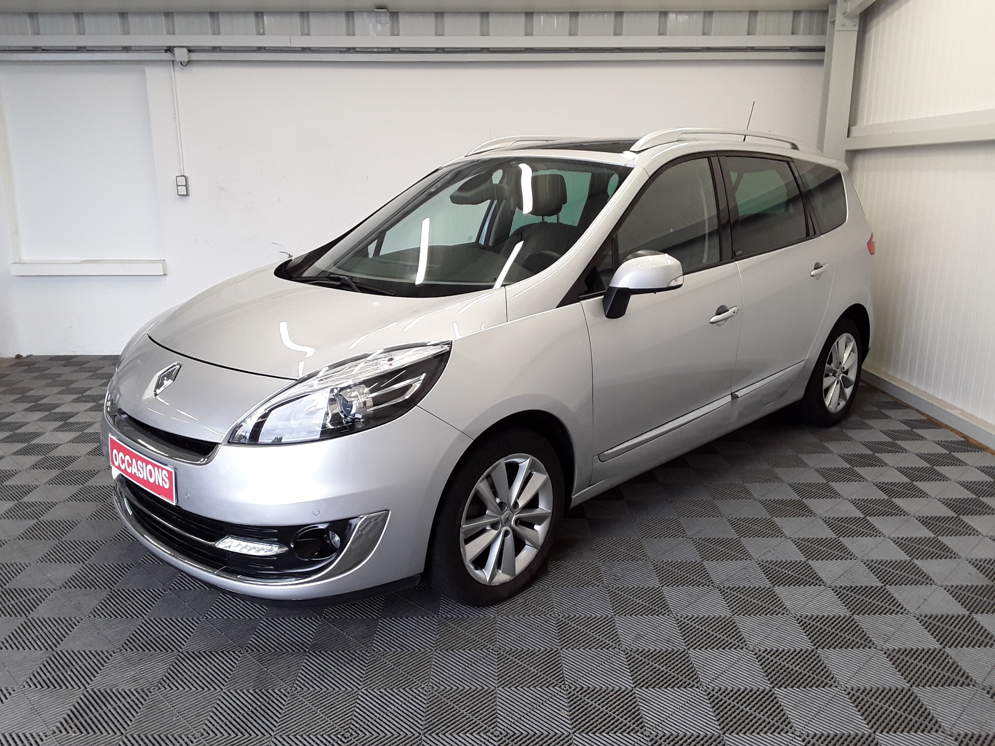 RENAULT GRAND SCENIC III dCi 130 Energy FAP eco2 INITIAL 7P d'occasion