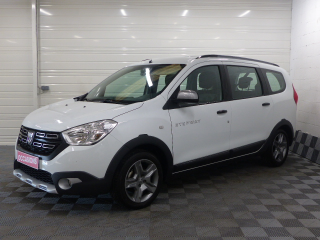 DACIA LODGY TCe 115 5 places Stepway d'occasion